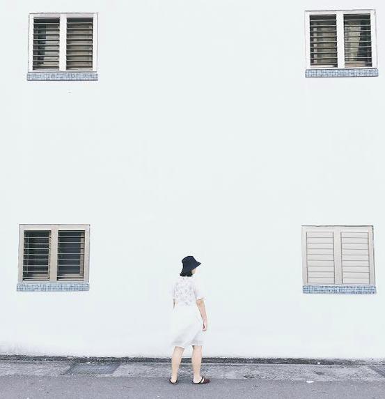 織花漫漫刺繡水花袖洋裝