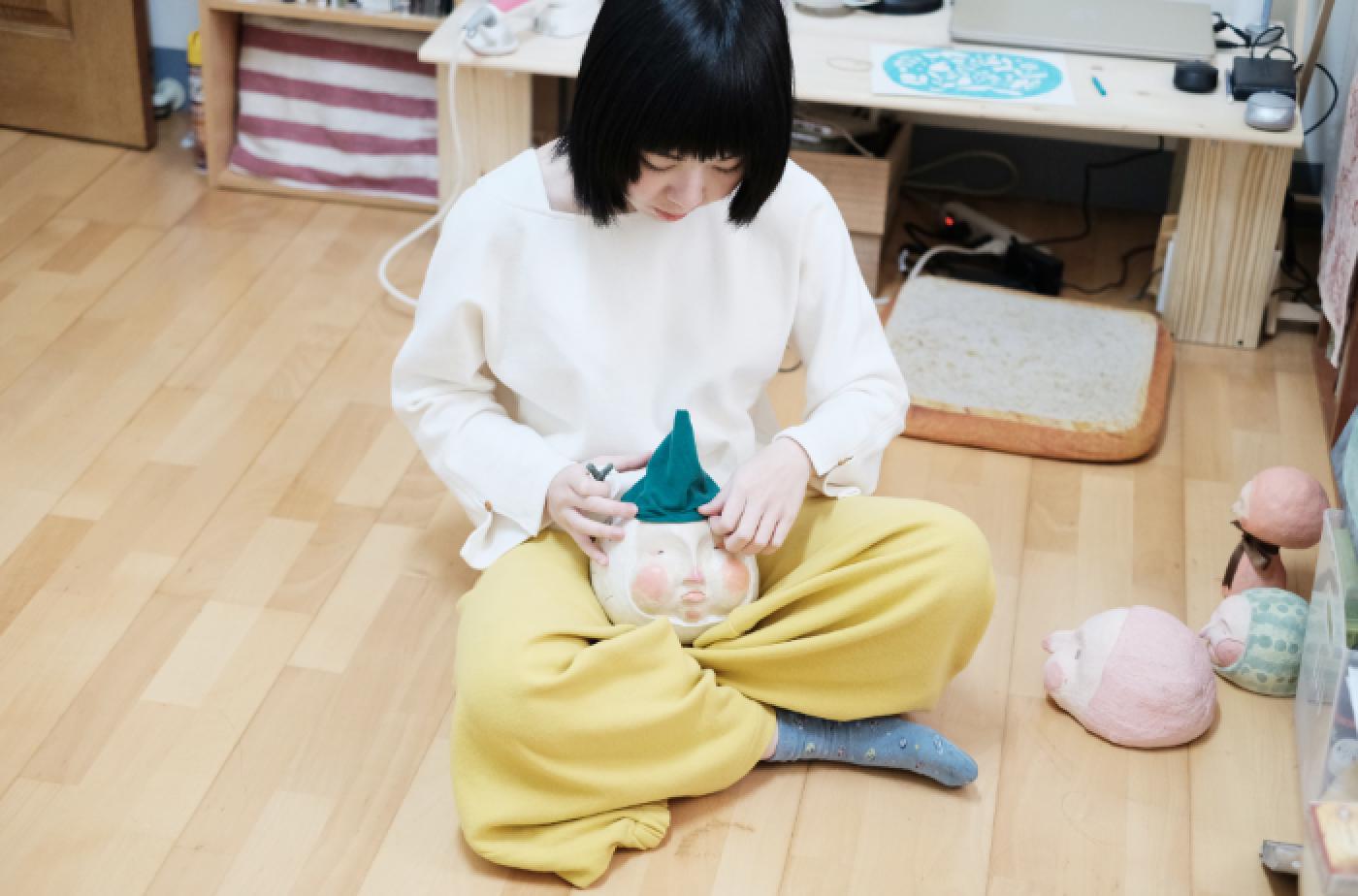 兒童島插畫家-Yukito穿著許許兒有機棉寬腳褲