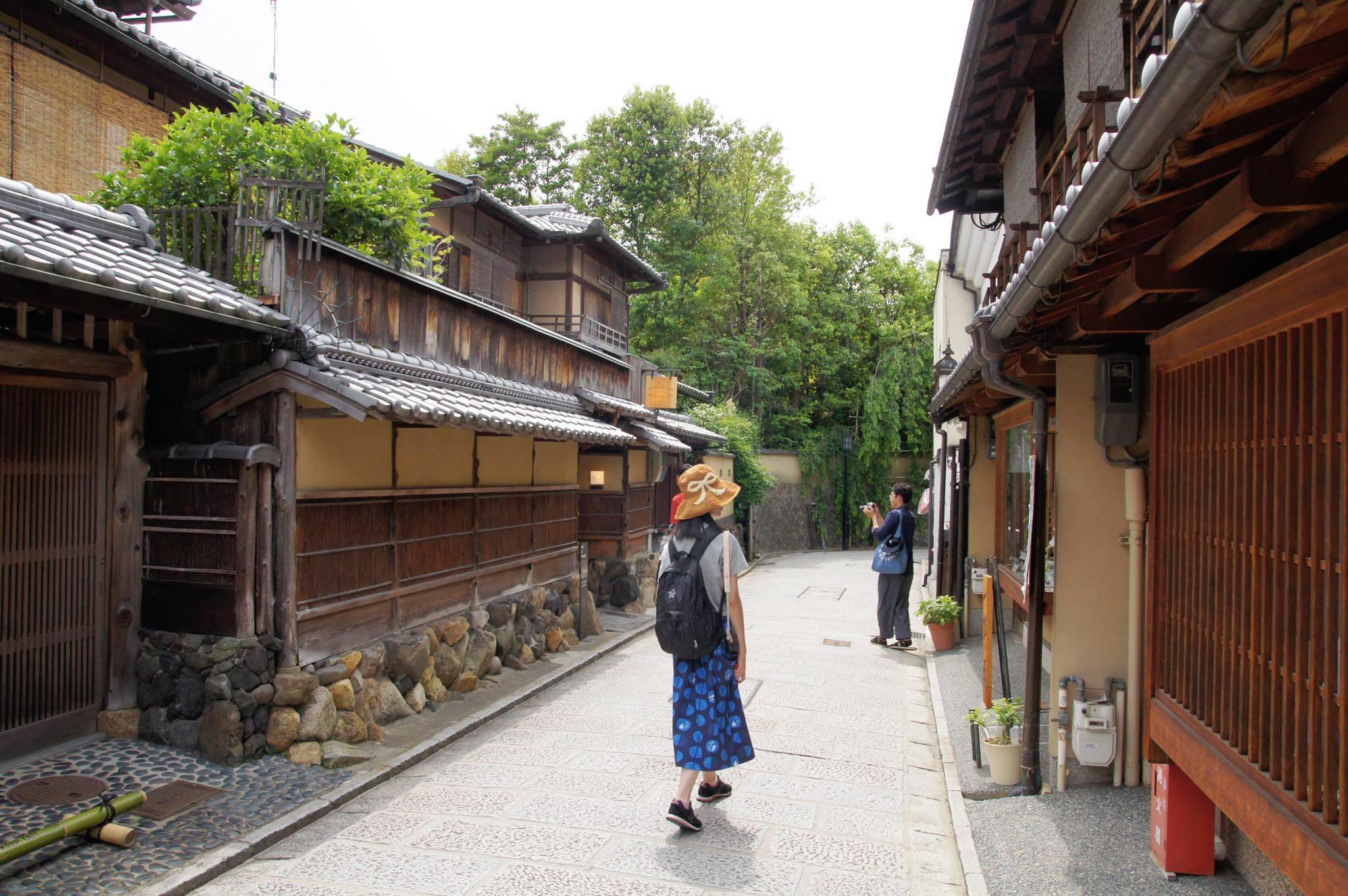 穿泡泡狐狸踏上京都小旅行