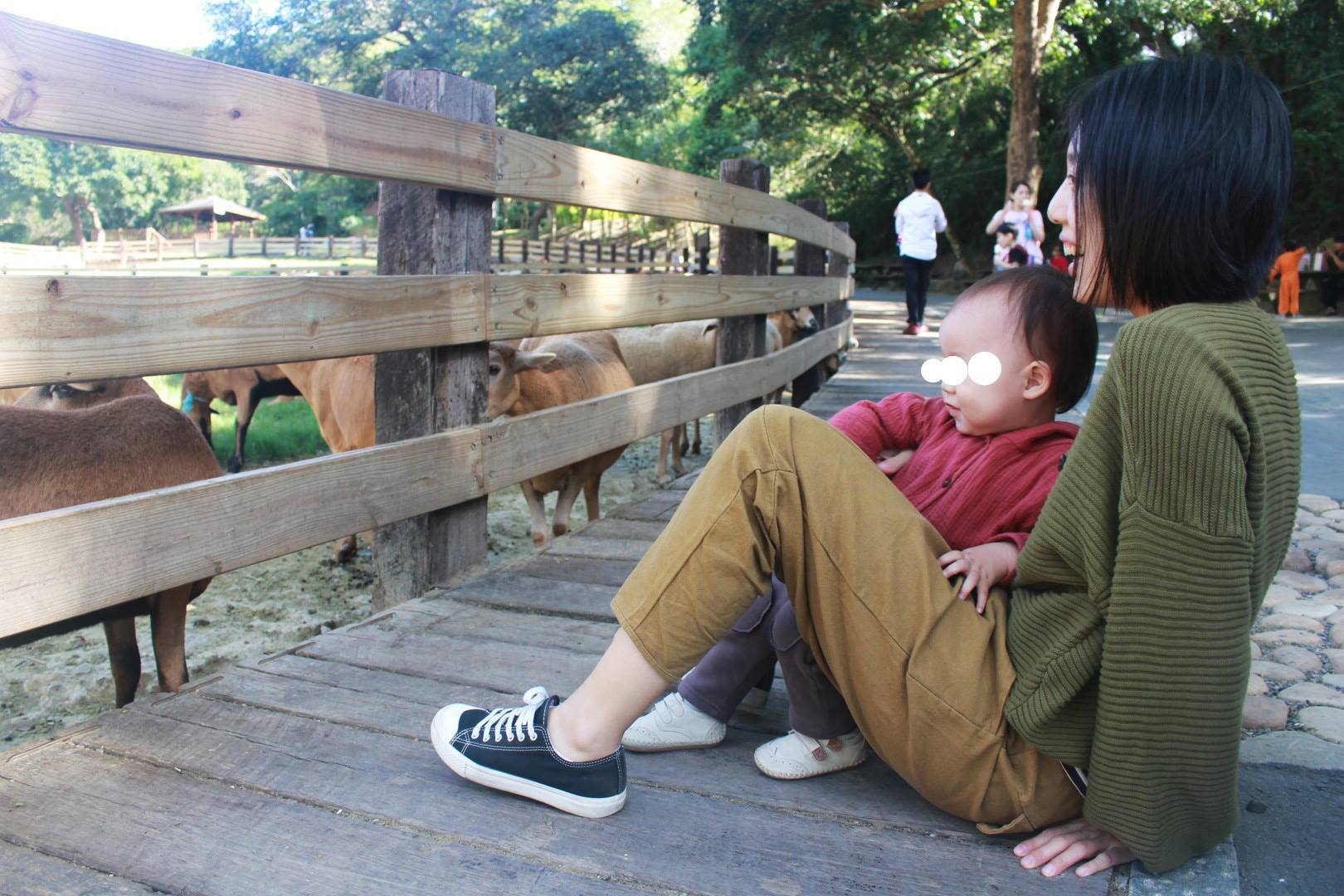 陪你散步泡芙袖針織外套-綠森顧客實穿照