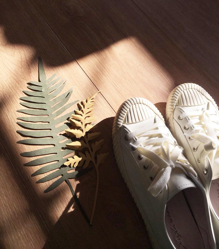 白色低筒軟餅乾鞋